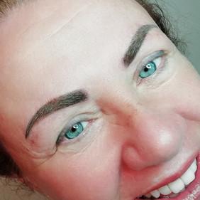 powder brows .jpg