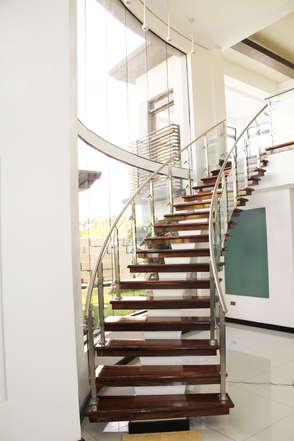 Mariano's Signature Arki Stairs
