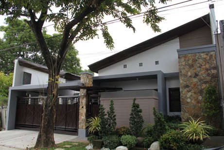 Reyes' Contemporary One-story with Attic Residential House