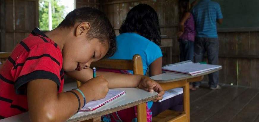 EDUCAÇÃO: 1.000 DIAS DE OMISSÃO E DESTRUIÇÃO