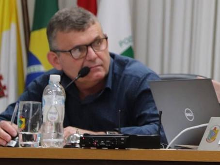 O ÚNICO VEREADOR DE OPOSIÇÃO DOS 13 DE GASPAR VAI À JUSTIÇA PARA TER EXPLICAÇÕES DO PREFEITO KLEBER