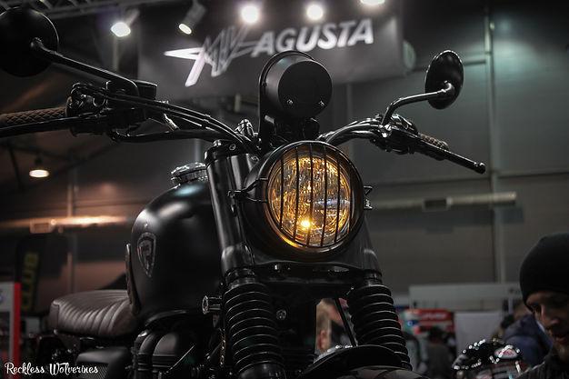 Мотозима - Triumph Bonneville Rowdy lights