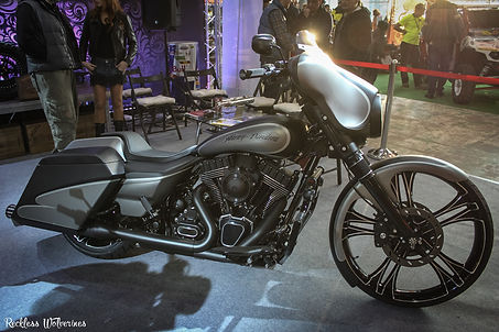 Мотозима - Harley-Davidson Street Glide GREY Bagger by Мотогараж
