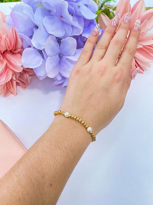 Pearl & Golden beads Bracelet