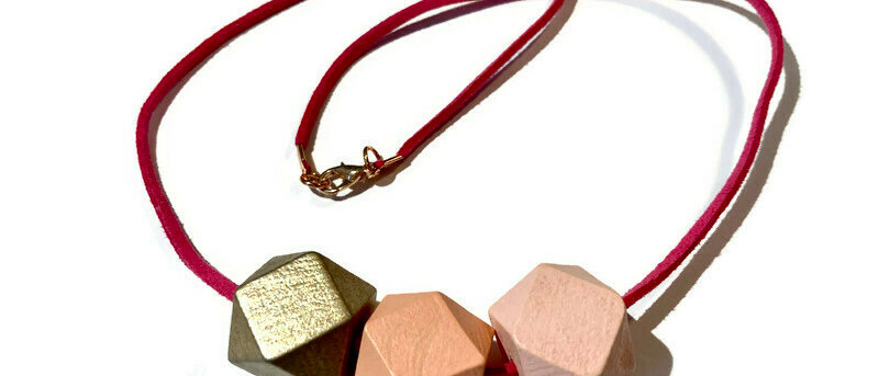 copy of pale pink / salmon pink / gold geometric bead necklace