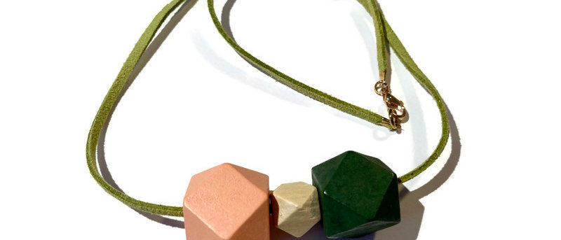 salmon pink / natural / green geometric bead necklace