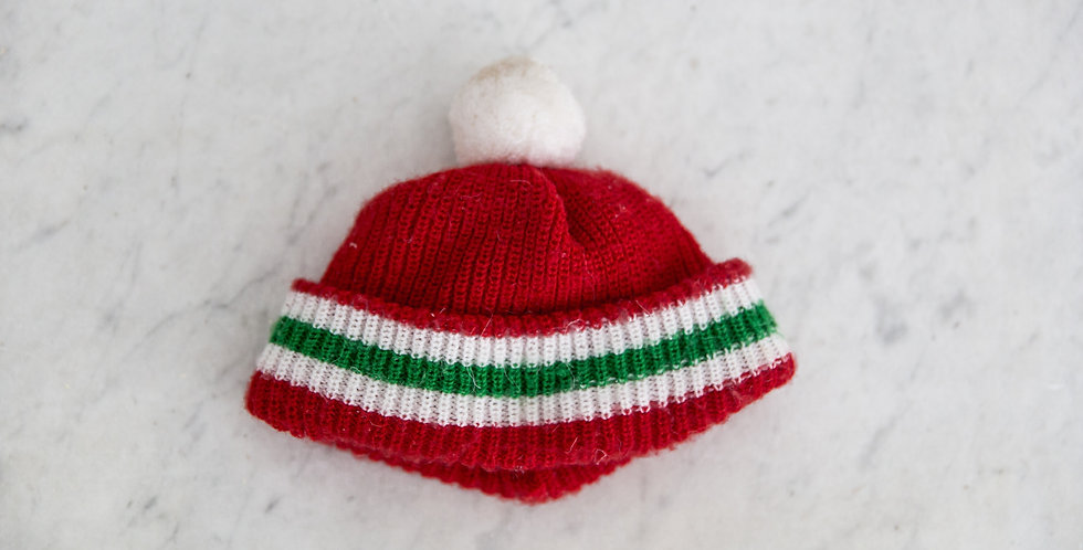 vintage knit bear hat