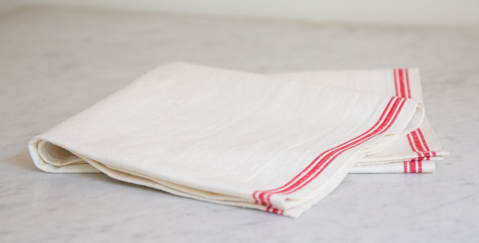 red striped table runner