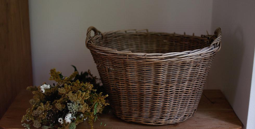 vintage round laundry basket