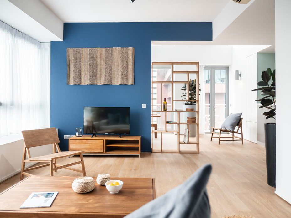 Roomy & contemporary ten storey renovation