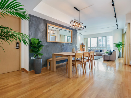 Modern & woody residential apartment