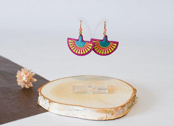 """Boucles d'oreilles """"Demi-lune brodée"""" pièces uniques, 45mm"""