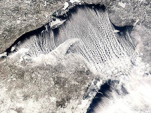 Cloud_Streets_over_the_Great_Lakes,_Natu
