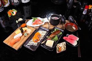 SS5 Nigiri Sushi & Sashimi Set.JPG