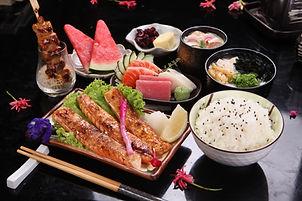 01_Salmon Belly & Sashimi Set.JPG