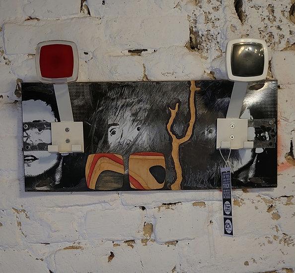 Formwechsel Garderobe aus einem alten Skateboard