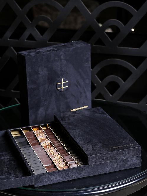 REF 023 Coffret carré en daim noir Luxe