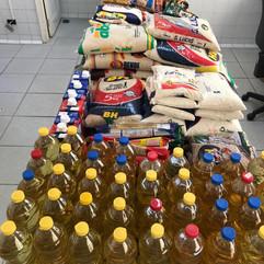 Santa Casa de Formiga recebe doação de alimentos da Paróquia São Paulo Apóstolo