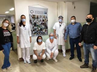 Santa Casa recebe banner motivacional do Projeto Tatame do Bem