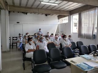 Colaboradores da Santa Casa de Formiga recebem treinamento sobre cuidados durante a pandemia