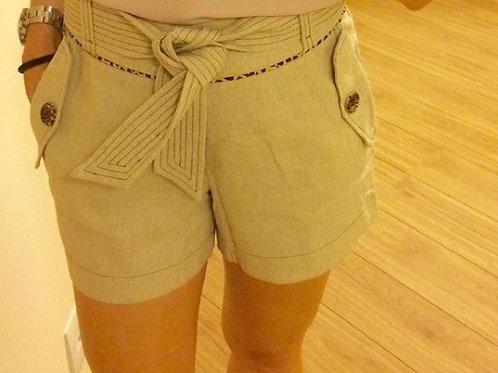 Shorts em Linho com Detalhe e Pesponto