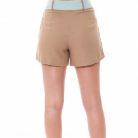 Shorts em Linho com Detalhe Faixa e Cinto