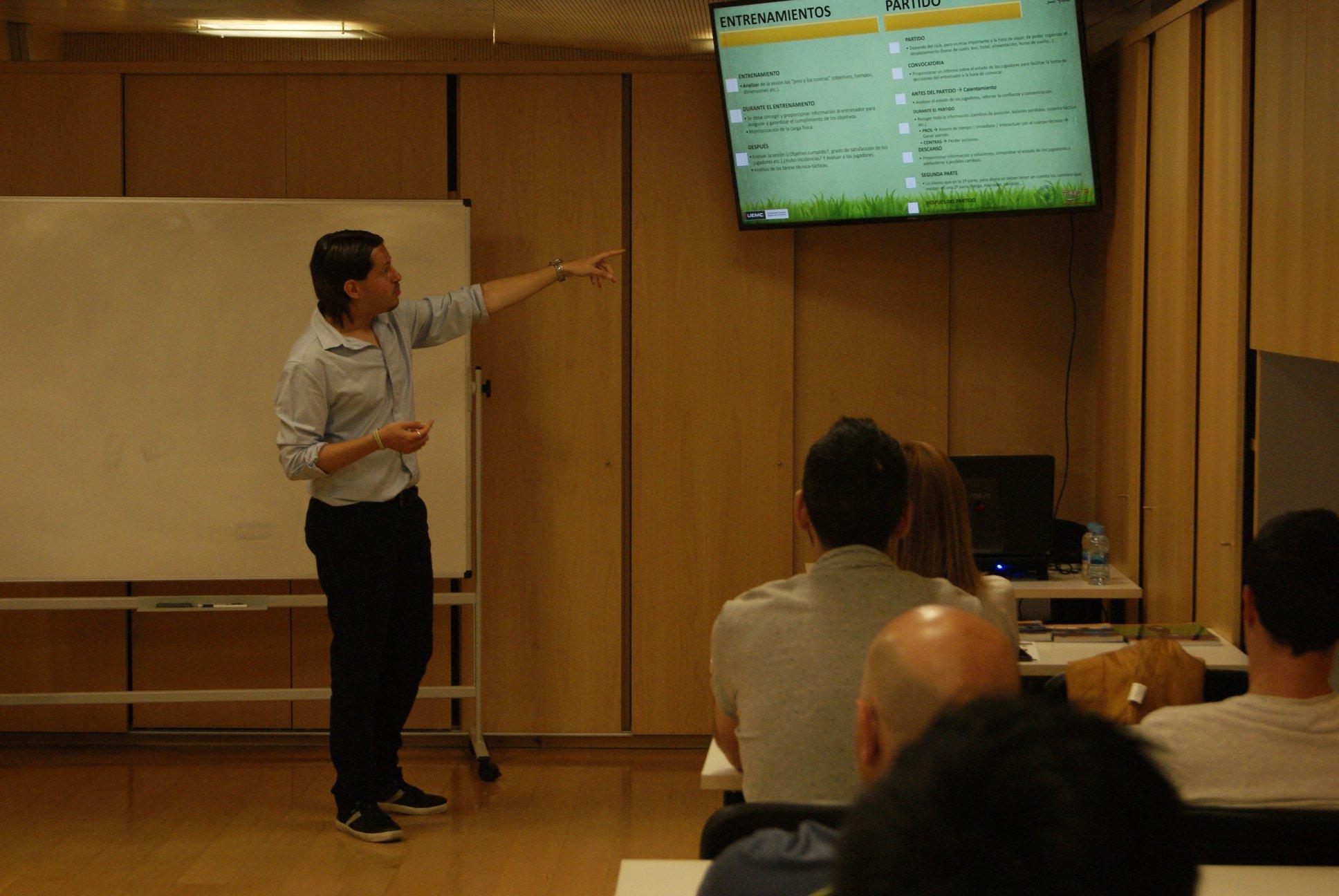 Santi Vieitez en Sports Management School