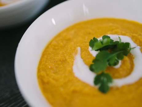 Creamy Carrot and Cashew Soup