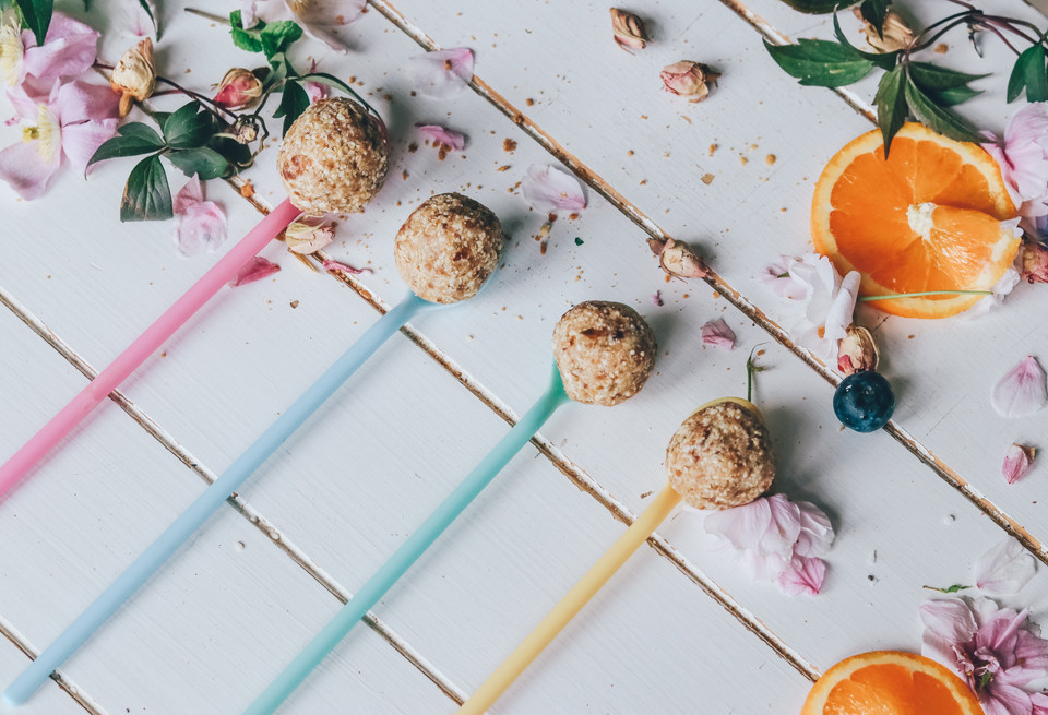 Sesame Seed Snack Balls