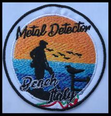 Metaldetector beach Italy.jpg