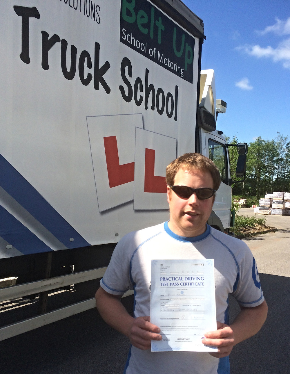 Shaun Nowell and his FIRST TIME HGV truck test pass
