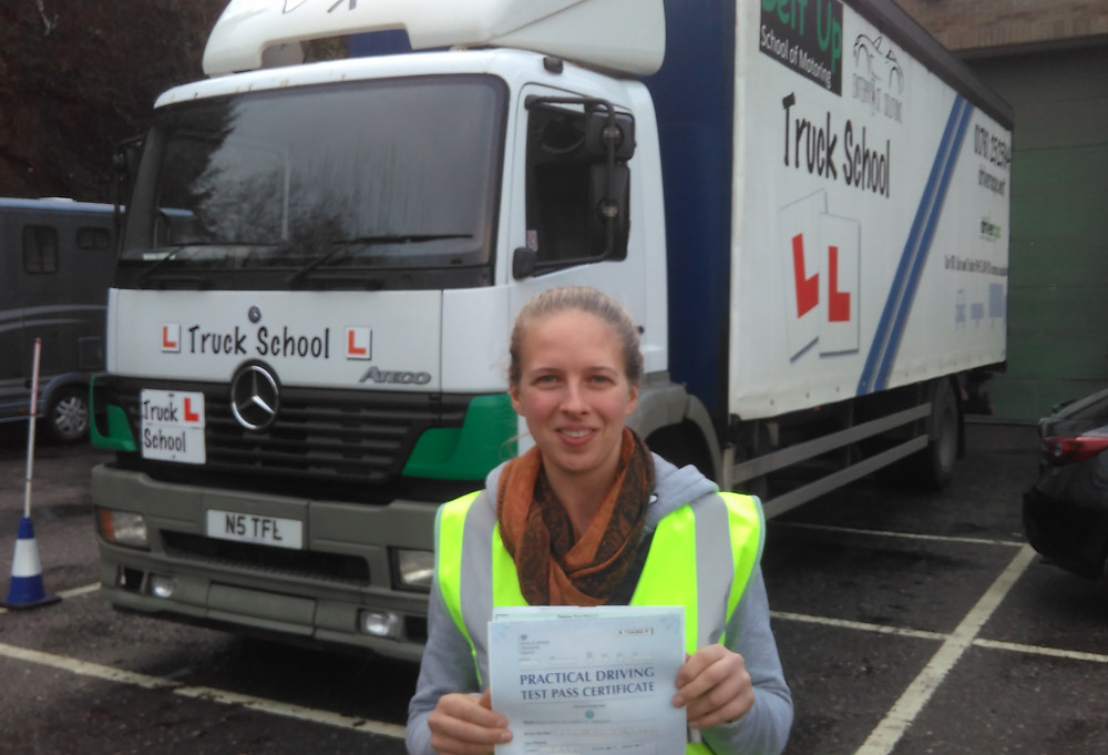 Hope passes 7.5 tonne test FIRST TIME with Truck School