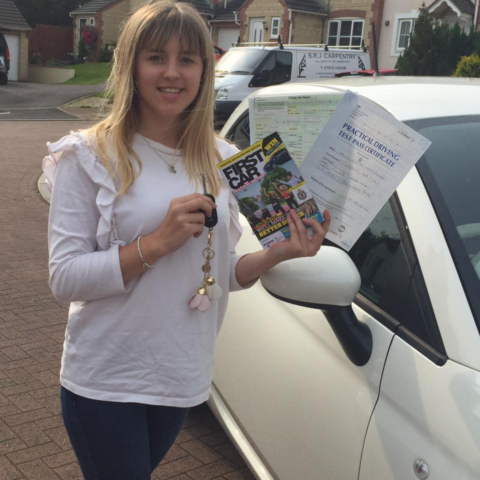 Alanah passes FIRST TIME with Belt Up School of Motoring