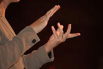 american-sign-language-1309086-639x424.j