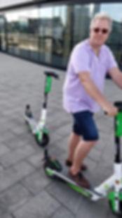 Duesseldorf Tour mit Elektroroller.jpeg