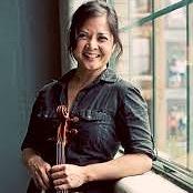 Joanna Mendoza, Viola