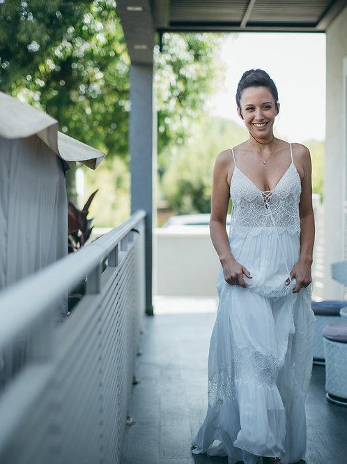 השמלה של נוי בלחסן - אדלר