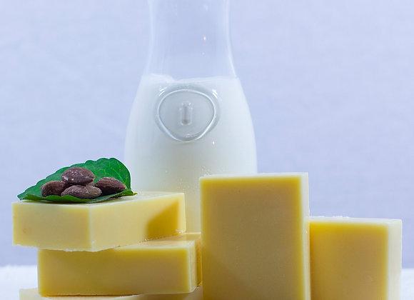 Sweet Honey AlmondGoatmilk Soap Bar