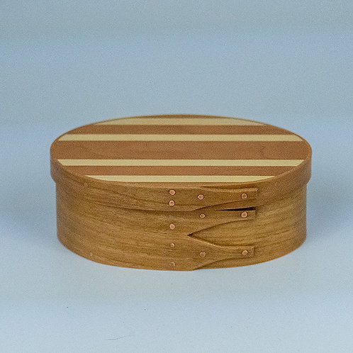 Shaker music box with cherry sides and horizontally striped top (cherry/maple)