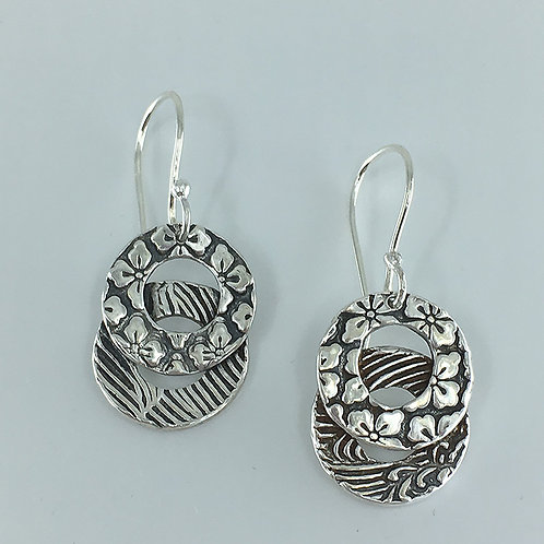 Patterned Overlapping-Circle Earrings