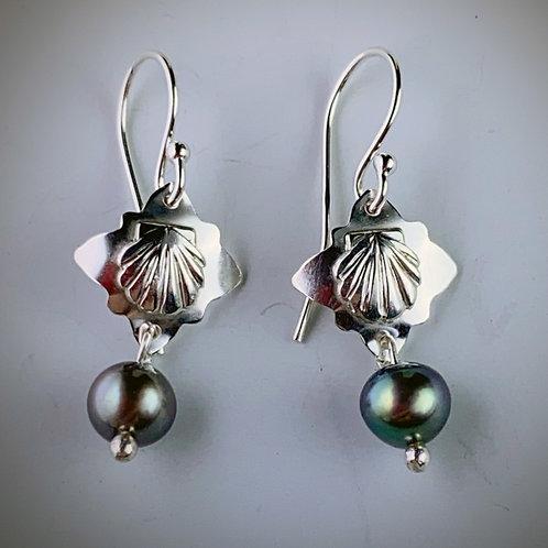 Shells n' Pearls