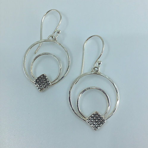 Hammered Wire Circles with Decorative Square