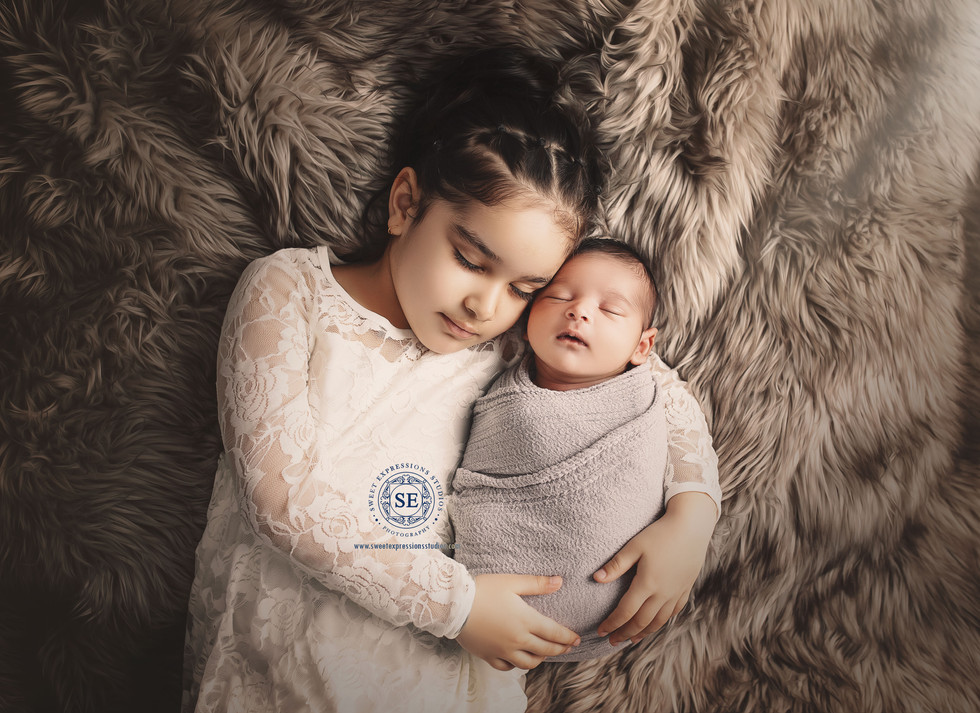 Toronto-Newborn-Photography-siblings-879