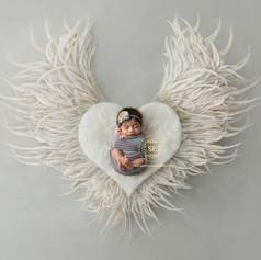 Toronto-Newborn-Photography-Heart-White.