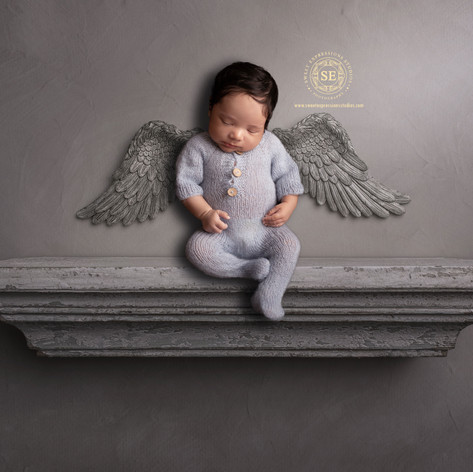 Toronto-Newborn-Photography-Angel-on-She