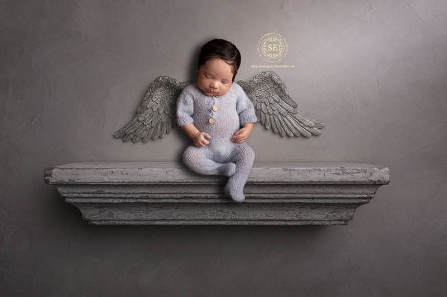 Toronto-Newborn-Photography-Angel-on-She
