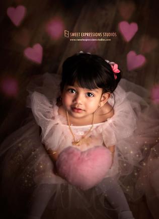Kids-Valentine-day-Photo.jpg