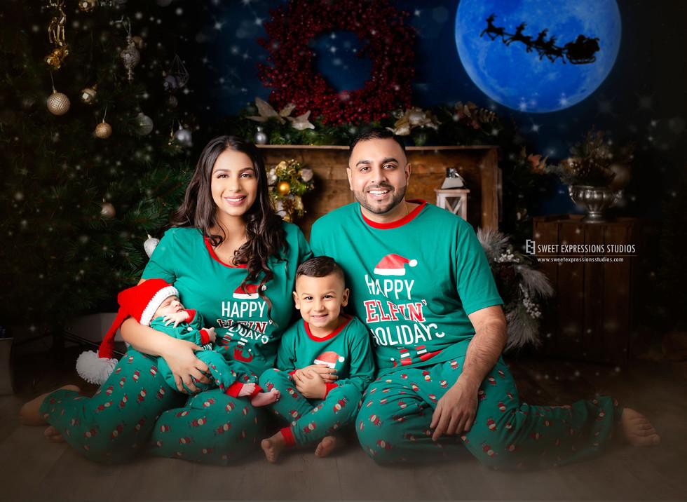 Christmas-Family-Photos.jpg
