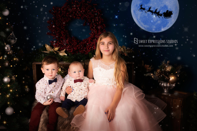 Sibling-Christmas-Photos.jpg
