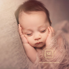 Toronto-Newborn-Photography-8-weeks.jpg